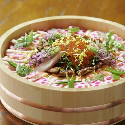 寿司桶は寿司を作る時にも飾る時にも