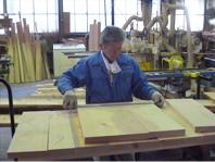 木表、木裏、逆目等を注意しながら必要部材に整えます