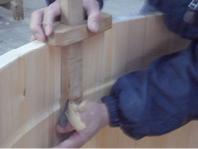 底板をはめ込む溝を作ります