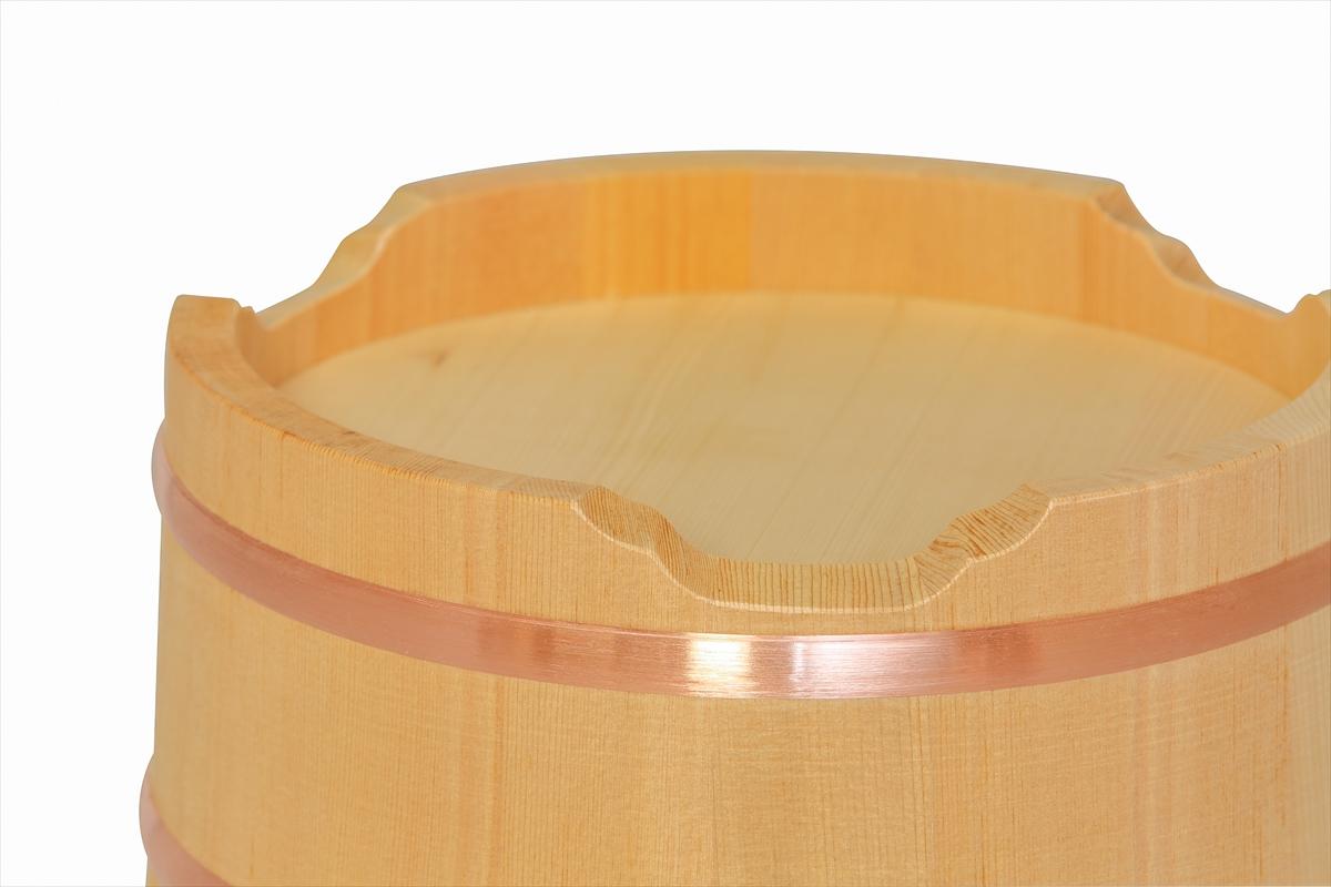 木曽産の椹(さわら)でできた江戸おひつ(江戸びつ)24cm(8寸)です。お客様にも味わっていただきたい! 大きめ約7号サイズ。約5人~9人分。