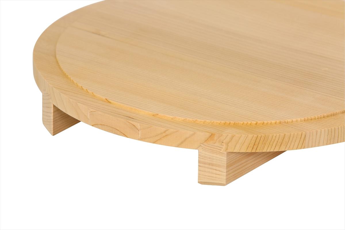 木曽産の椹(さわら)でできたのせ蓋おひつ30cm( 一尺)です。業務用約1.5升サイズ。約10人~20人分。