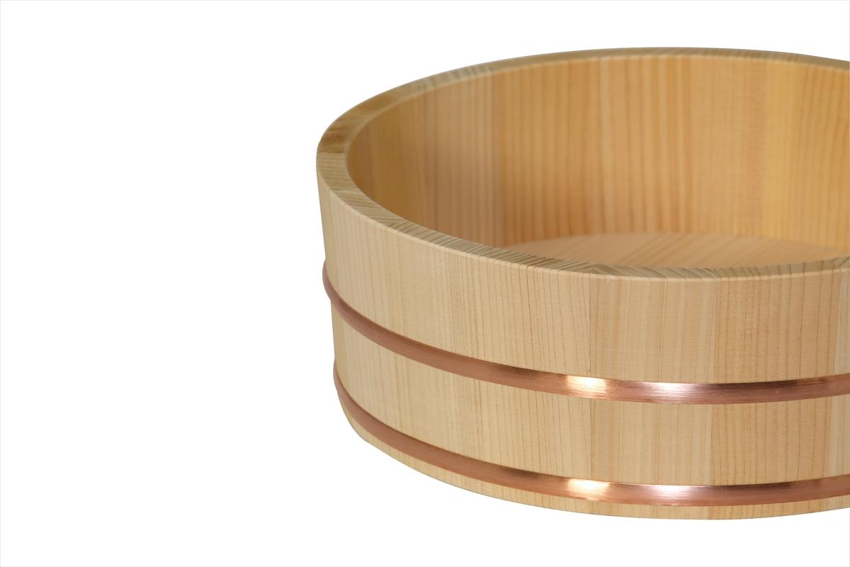 耐久性のある、椹(さわら)の寿司桶です。1人~2人用です。