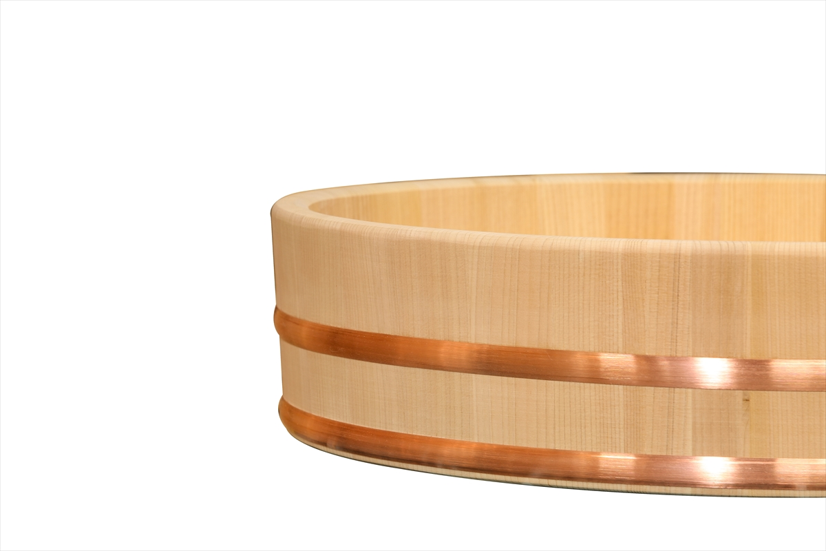 耐久性のある、椹(さわら)の業務用寿司桶です。約33人用です。