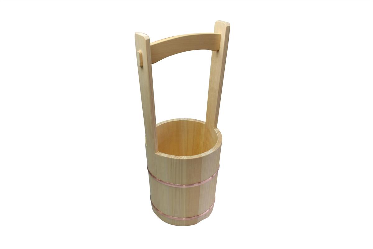 暑い夏の朝夕に打ち水をして自然の涼を楽しみませんか。お墓参りにも重宝する桶です。