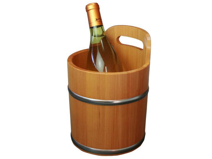 和食にも合うワイン。こんなワインクーラーがテーブルにあれば和の雰囲気も深まります。日本酒やビールを冷やしておけば、いつもと違った食卓になるかも知れません。花瓶としてもお使いいただけます。