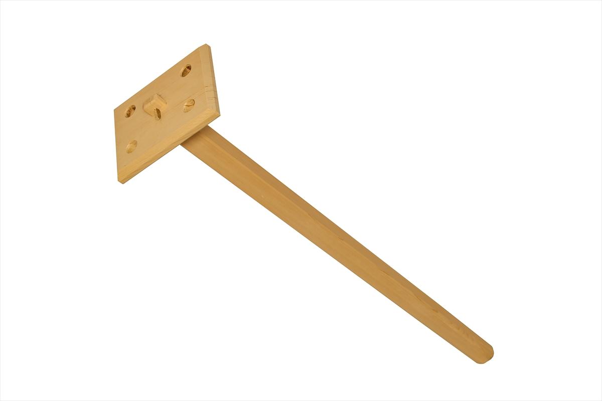 お風呂の湯温を均質にするように混ぜる棒です。水に強い椹(さわら)材で作りました。木の香りでリラックス効果も期待できます。※ご使用後は水洗いの上、直射日光を避けてよく乾燥させてください。