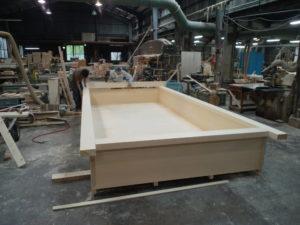 大型の木風呂を製作中