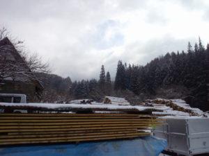冬景色かと思いきや淡雪ですぐに溶けました