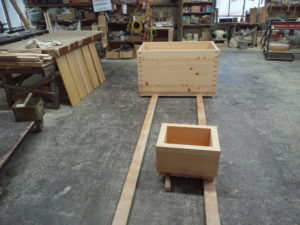 箱型の足湯桶