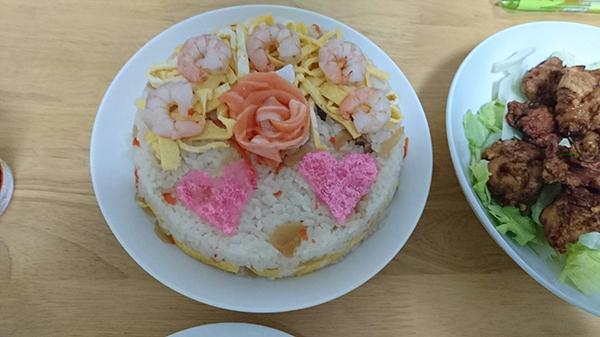 1.食材で「花」をあしらうデコレーションです。